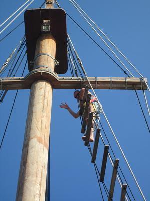 Diva Andaman climb the mast