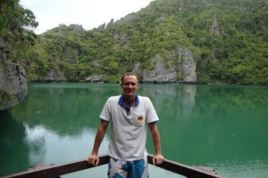 The Emerald Lagoon is worth a visit if you are visiting Angthong Marine Park