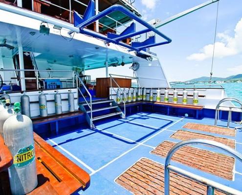 Deep Andaman Queen dive platform