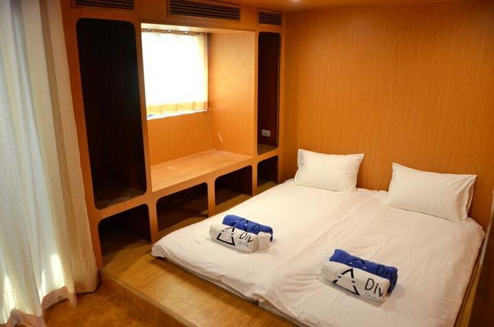 DiveRACE class E luxury double cabin