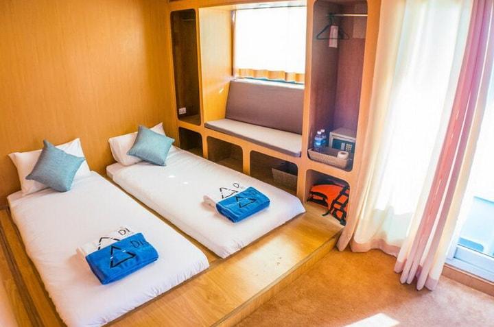 DiveRACE class E luxury twin cabin