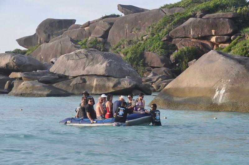 Pawara dinghy run to the beach