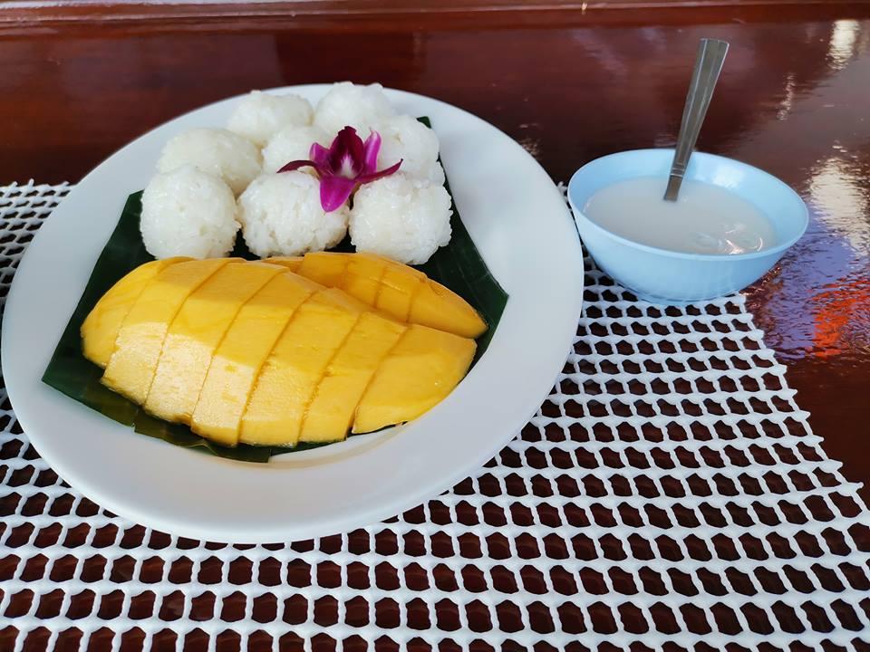 DiveRACE liveaboard food - mango sticky rice