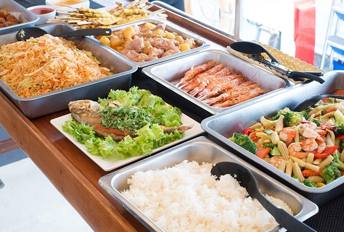 The Phinisi food buffet