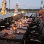 Diva liveaboard dining