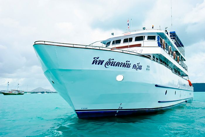 Deep Andaman Queen Similan liveaboard diving