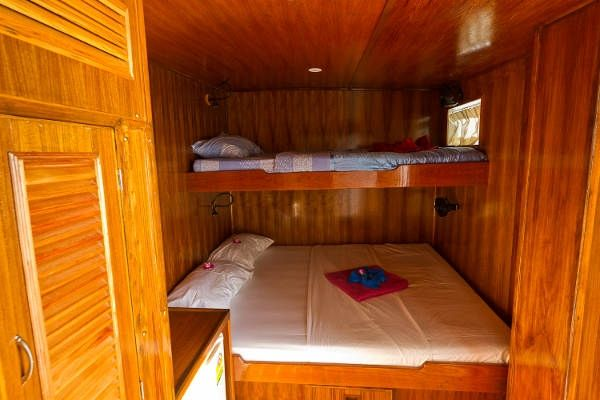 Giamani liveaboard deluxe double cabin