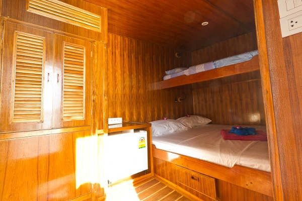 Giamani liveaboard deluxe cabin
