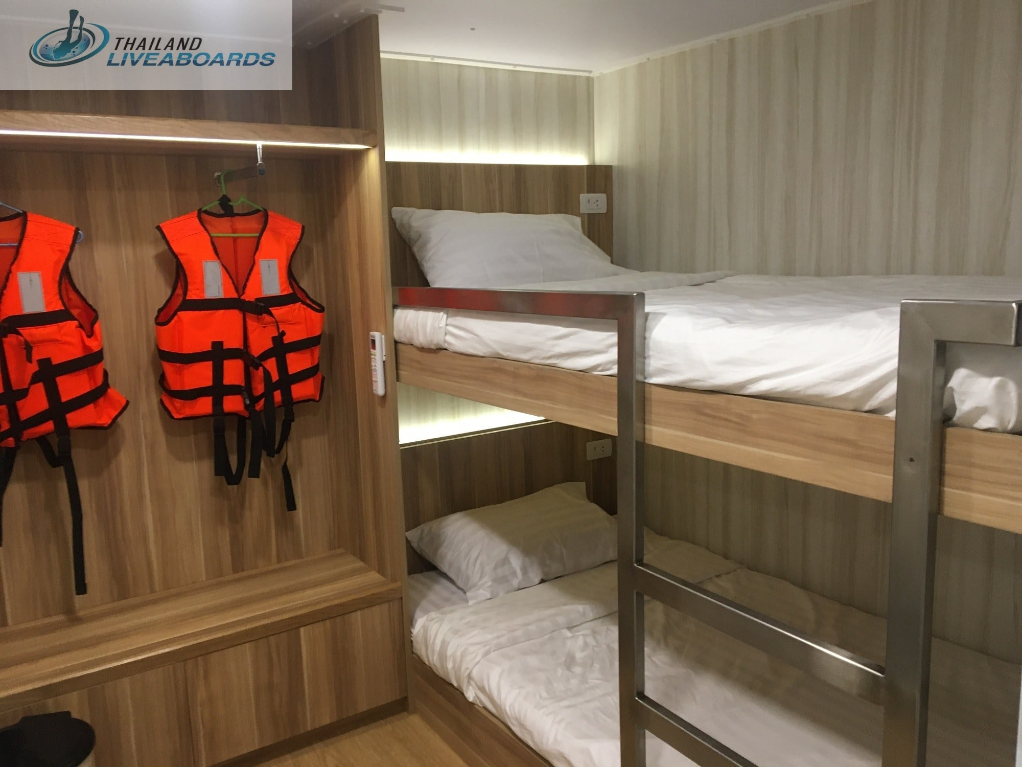 Deep Andaman Queen Deluxe twin cabin