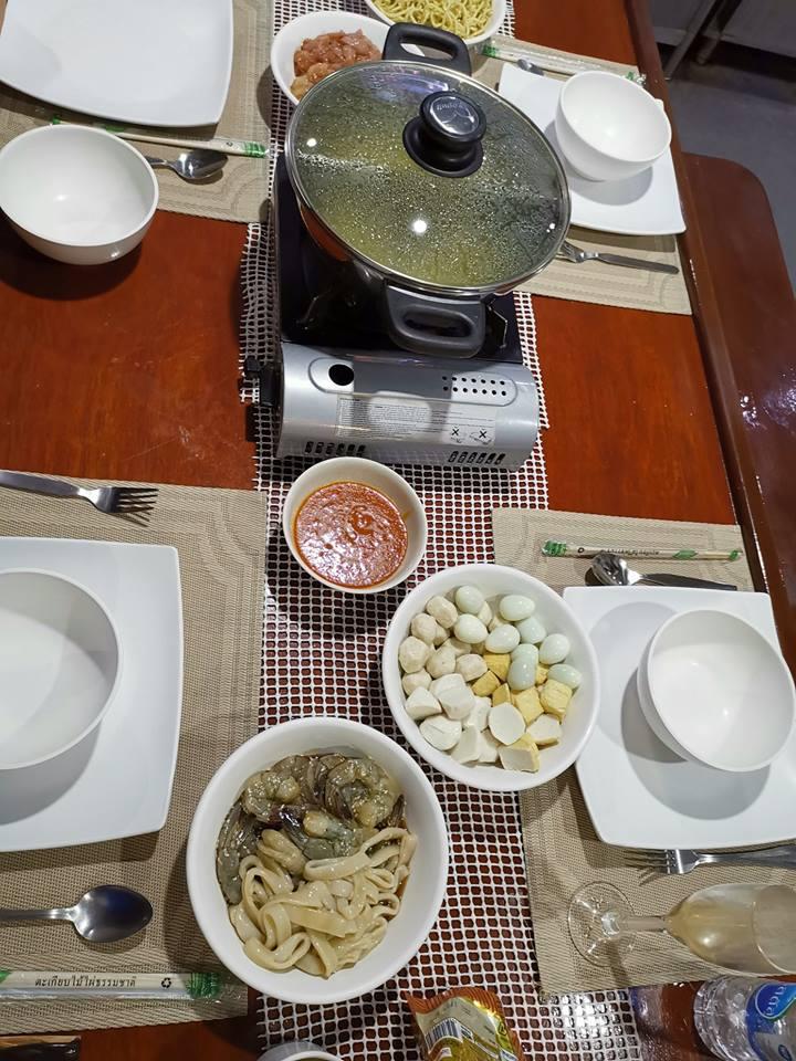 DiveRACE liveaboard food