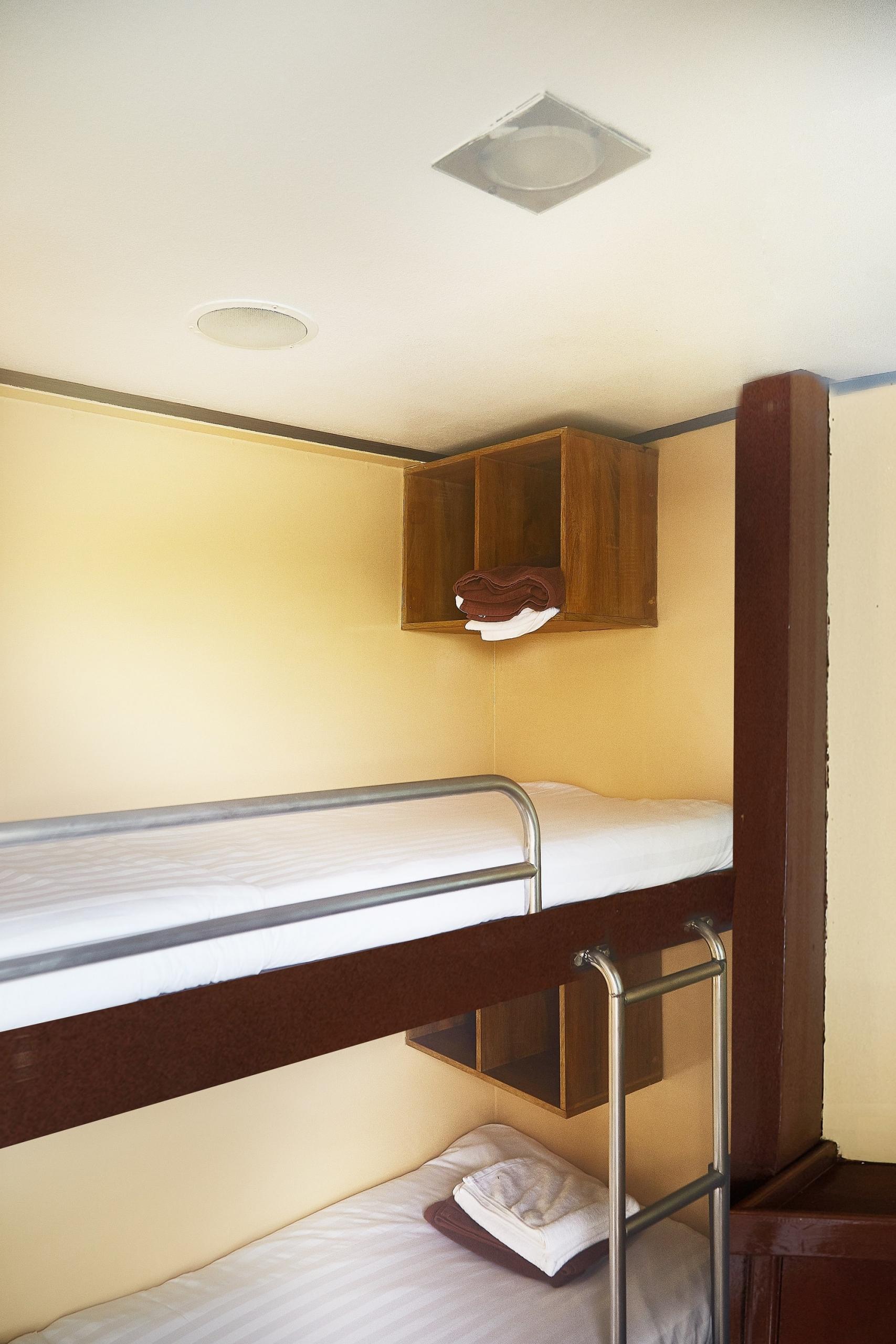 Peterpan twin bunk cabin upper deck (A)